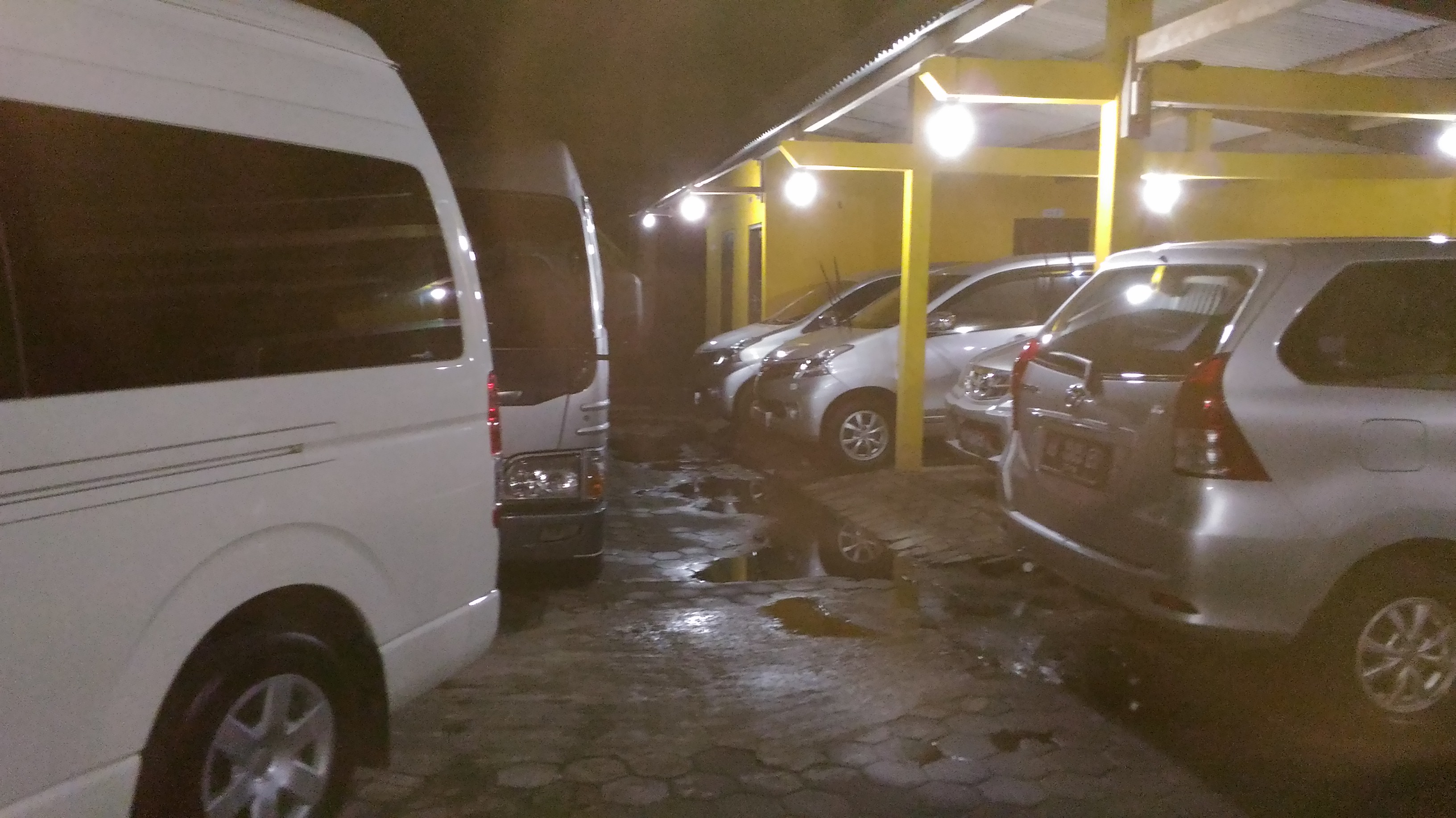 Mobil Jogja Murah - Avanza Innova Elf Hiace Dll | CV Menara Jogja Tour dan Transport - Sewa menyewa jadi lebih mudah di Spotsewa
