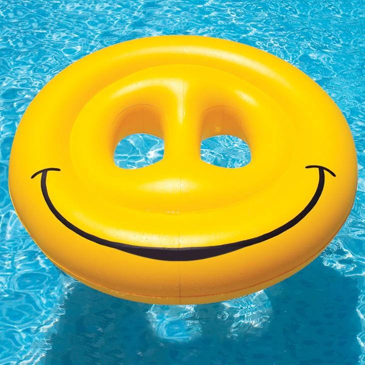 Smiley Pool Floats | Le Float - Sewa menyewa jadi lebih mudah di Spotsewa