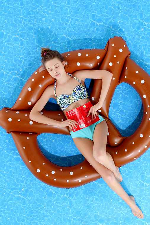 Giant Pretzel Food Floats | Le Float
