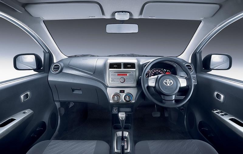 Toyota Agya Automatic | Dian Car Bali