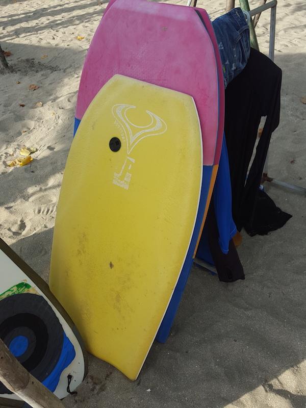 Sewa Bodyboard Surfing Pantai Kuta Bali di toko Hendra Surfboard daerah Denpasar, Bali - Sewa menyewa jadi lebih mudah di Spotsewa